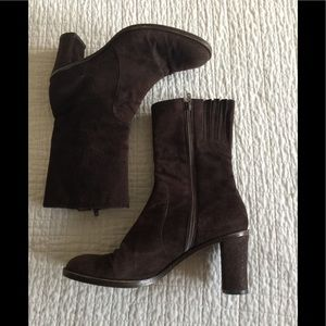 Vintage DKNY chocolate brown suede heeled booties